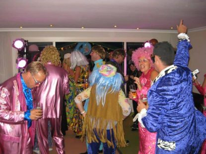 Dance classic party in uw huiskamer
