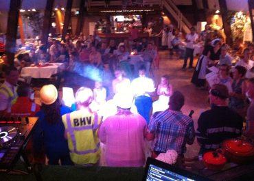 bruiloftfeest met de zingende-dj.nl